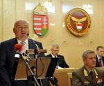 Hende Csaba; Benkõ Tibor; Pásztor István