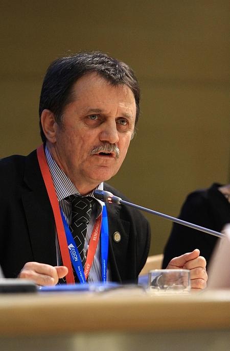 Német Ferenc, az SZVMSZK elnöke a Biztonságpiac 2016 konferencián (fotó: Biztonságpiac.hu)