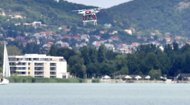 Drón Balaton felett