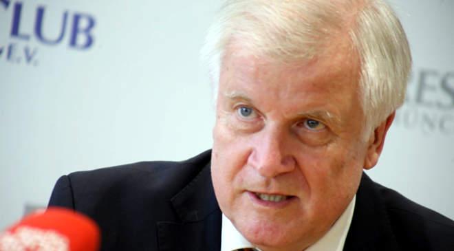 Horst Seehofer német belügyminiszter