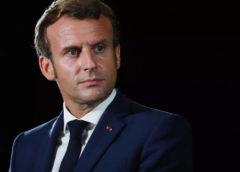 A francia elnök elnézést kért az algériai háborúban a franciák oldalán harcoló muzulmánok kisemmizése miatt