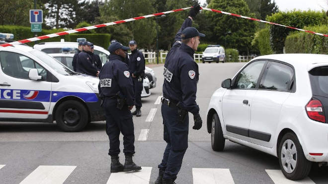 francia rendőrök
