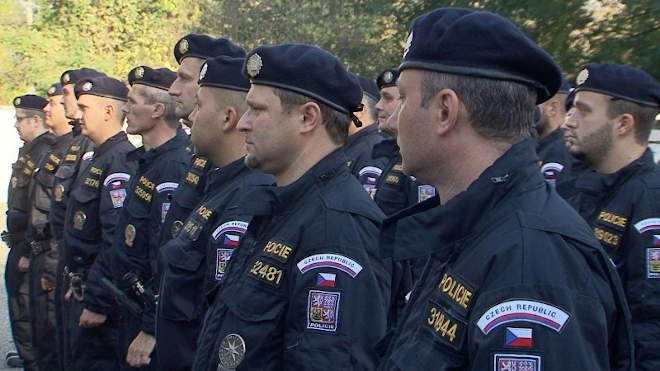 cseh rendőr