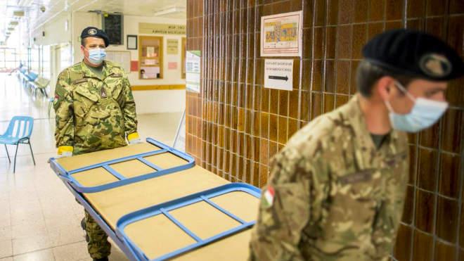 katona kórház