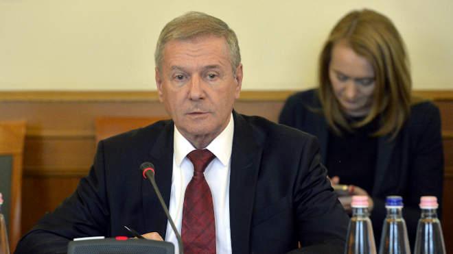 Benkő Tibor, honvédelmi miniszter az Országgyűlés nemzetbiztonsági bizottságának ülésén