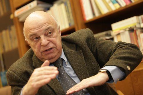 Nógrád György biztonságpolitikai szakértõ