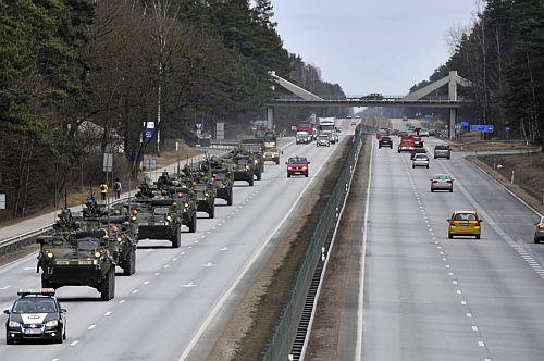 Amerikai katonai konvoj