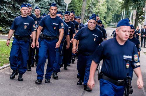 Rendőrök indulnak külföldre
