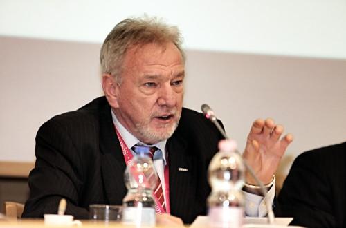 Fialka György