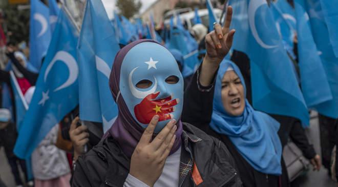 ujgur tüntetők
