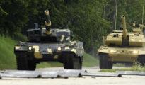 A Magyar Honvédség újbeszerzésû Leopard 2A4HU harckocsija (b) a német Krauss-Maffei Wegmann (KMW) GmbH & Co. KG. müncheni gyárában tartott bemutatón 2020. július 3-án. Ebbõl a típusból összesen 12 darab érkezik hamarosan, majd további 44 darab Leopard 2A7+HU harckocsit (j) pedig 2023-tól szállítanak hazánkba. MTI/Koszticsák Szilárd