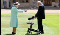 A királynő és Sir Tom