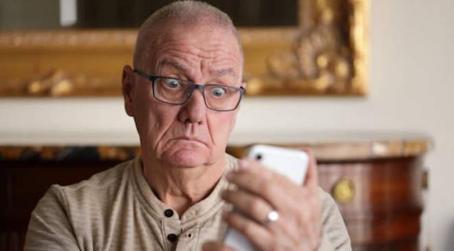 öregember, telefon