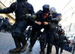 Több orosz városban ellenzéki tüntetőket vettek őrizetbe, jövő héten újabb tiltakozások lesznek