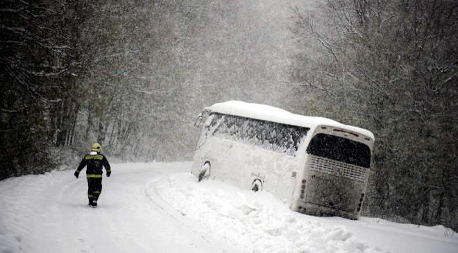 busz, hó, tűzoltó