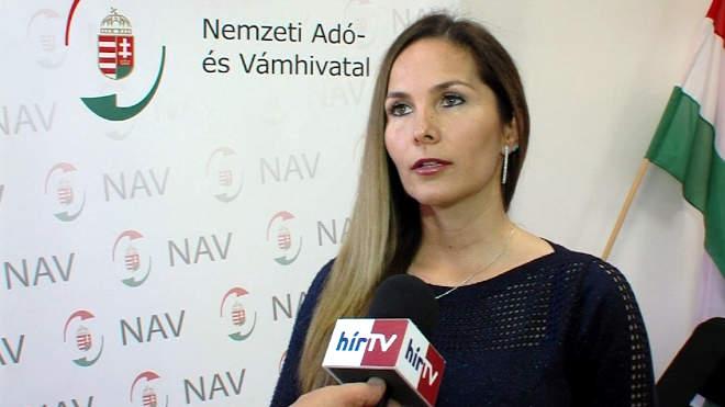 Kuperczkó Adrienn, a a Nemzeti Adó- és Vámhivatal dél-dunántúli bűnügyi igazgatóságának sajtóreferense