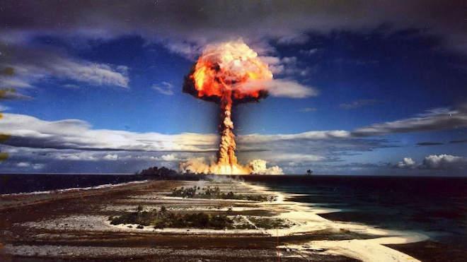 Atombomba robbanása Francia-Polinéziában