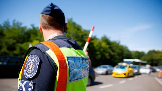 rendőr forgalomirányítás