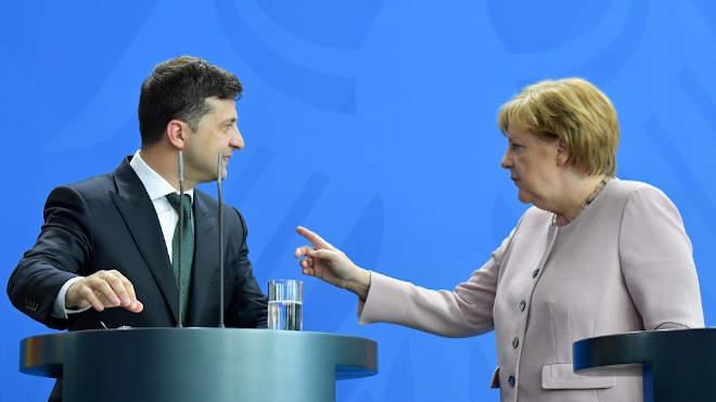 Angela Merkel német kancellár, Volodimir Zelenszkij ukrán elnök