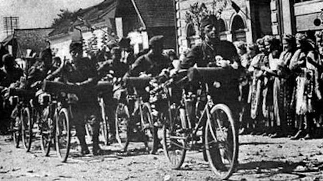 Erdély bevonuló magyar csapatok